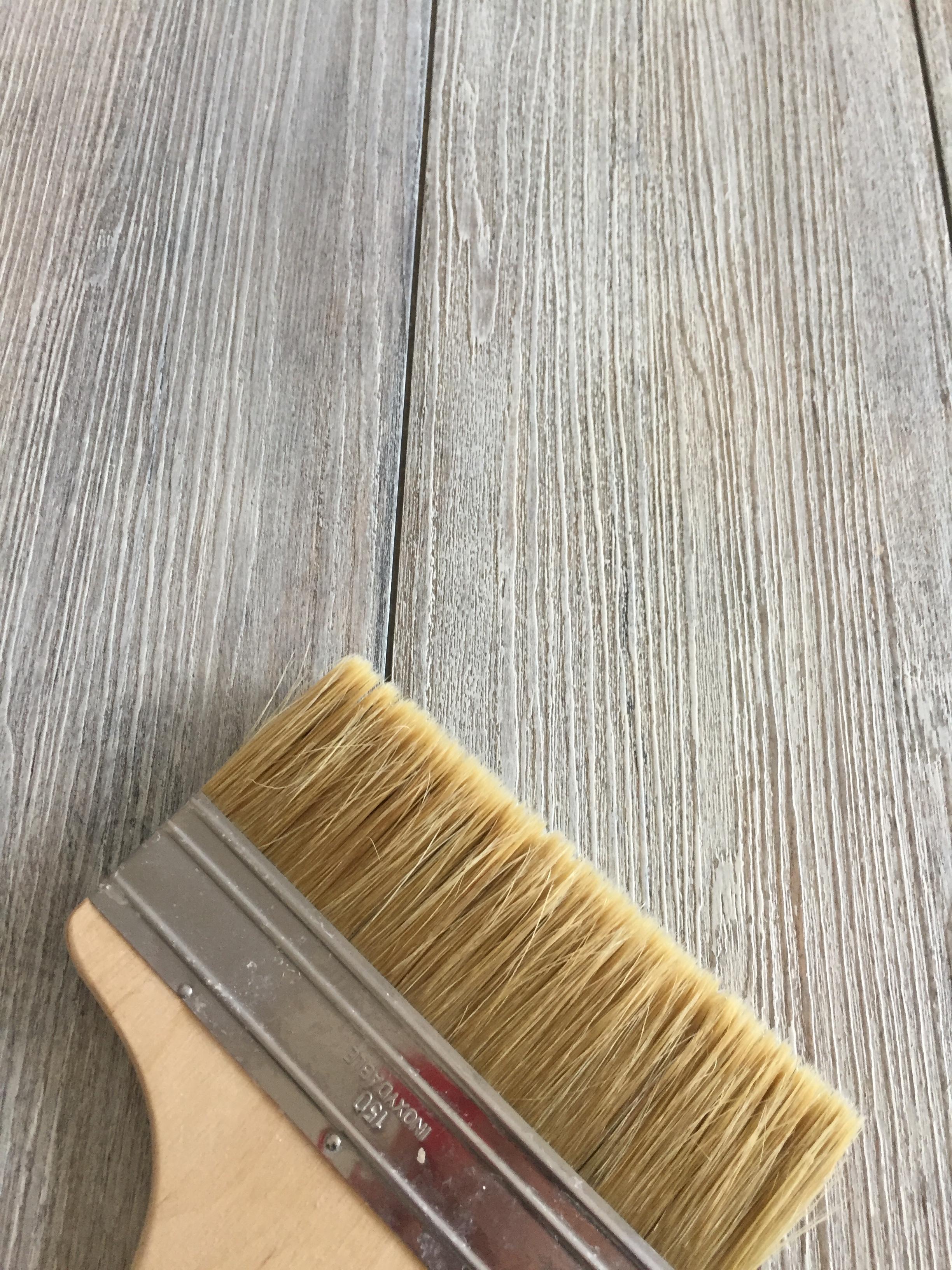 Peinture Bois Gris Patiné claire dognin, peinture décorative: patine façon bois décoloré